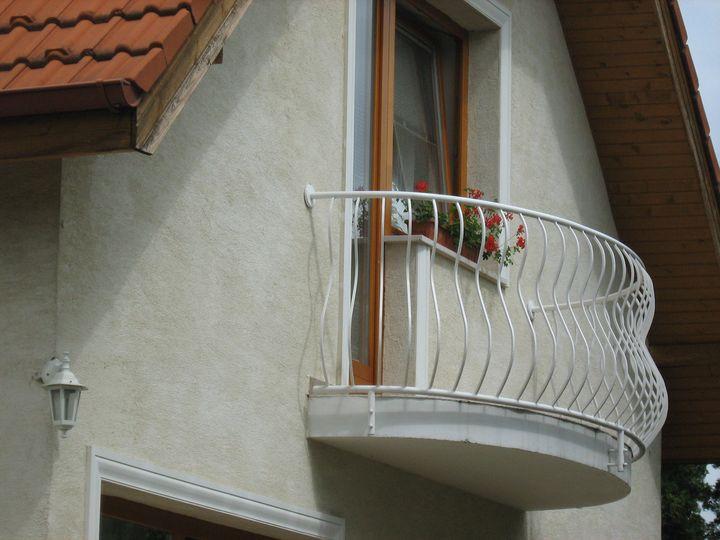 Műanyag erkélykorlát