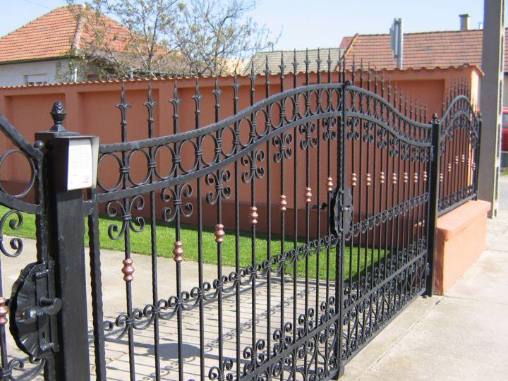 Kerítés kapu